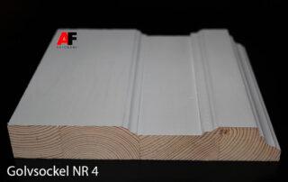 Golvsocklar/golvlister tillverkas av kvistfri furu.